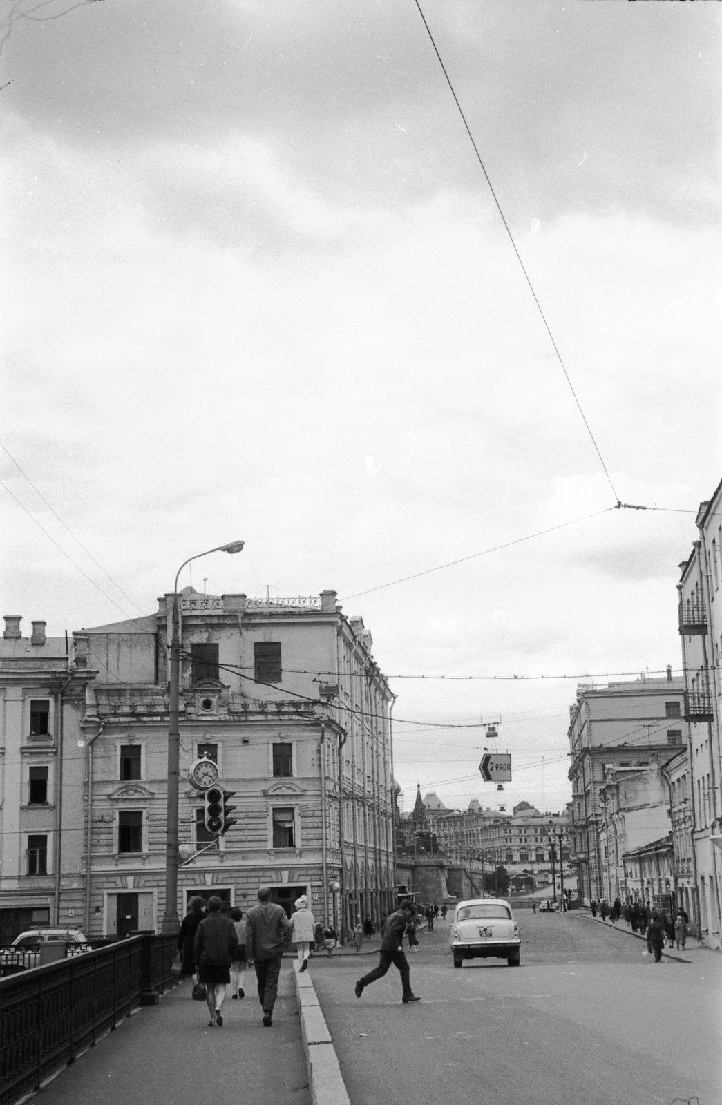 Улица Пятницкая (2)