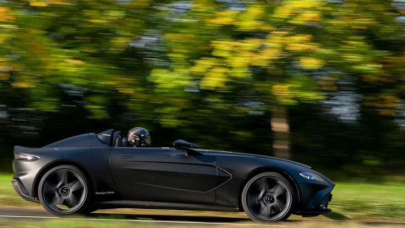 aston-martin-v12-speedster-prototype (2)