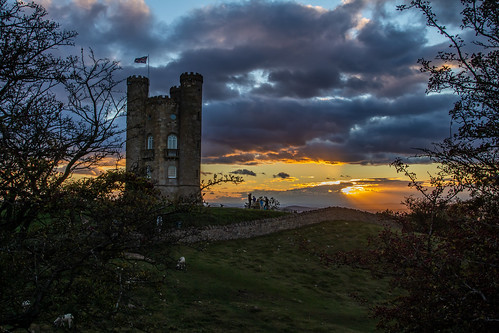 broadwaytower broadway cotswolds canon canoneos canon80d canonuk cloud castle folly uk greatbritain architecture landscape worcestershire sunlight