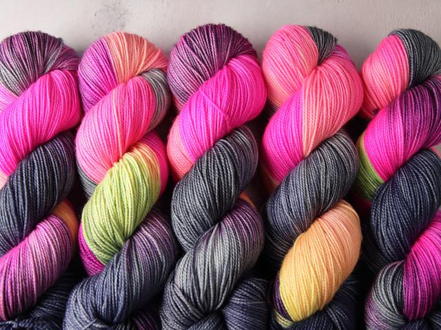 Favourite Sock – hand-dyed superwash merino wool yarn 4 ply/fingering 100g – 'Rainy Dystopia'