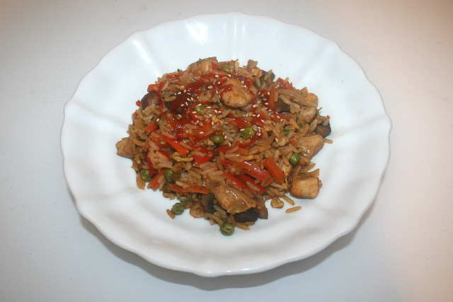 Asian fried rice with marinated chicken - Leftovers I / Asiatischer Bratreis mit mariniertem Huhn - Resteverbrauch I