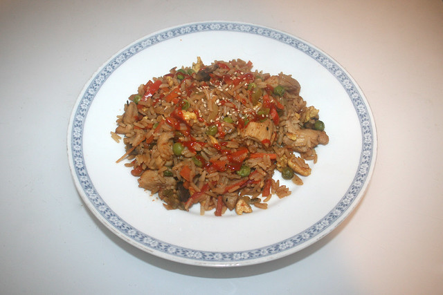 Asian fried rice with marinated chicken - Leftovers II / Asiatischer Bratreis mit mariniertem Huhn - Resteverbrauch II