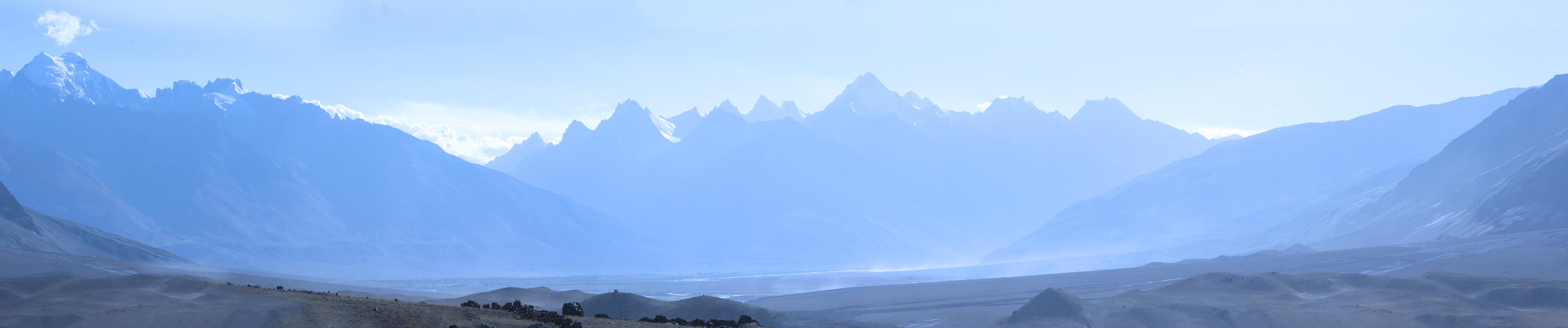 Занскар в утренней дымке. Панорамы Гималаев