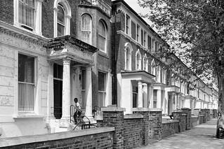 Oxford Rd, Kilburn, Brent, 1988 88-5l-64-positive_2400