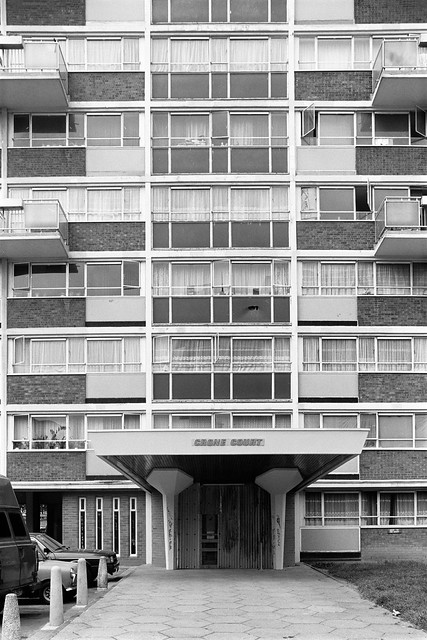 South Kilburn Estate, Crone Court, Rupert Road, Brent, 1988 88-5l-53-positive_2400