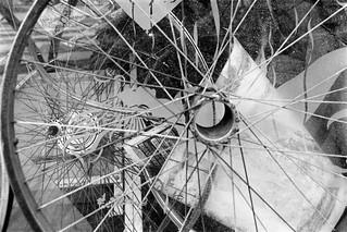 Joe's Used Ballbearing Emporium, Malvern Rd, West Kilburn, Westminster, 1988 88-5l-45-positive_2400