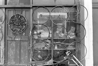 Joe's Used Ballbearing Emporium, Malvern Rd, West Kilburn, Westminster, 1988 88-5l-41-positive_2400