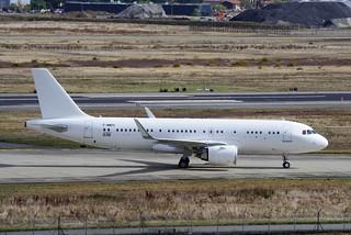 ACJ320neo F-WWDS MSN10196 First flight