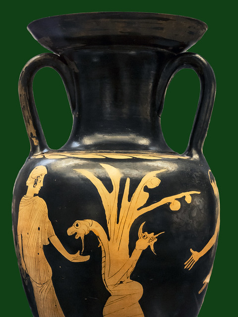 London, The British Museum – Vase F148 - The tree with dragon Ladon in the garden of the Hesperides 0b [470-425 BCE] - Egisto Sani