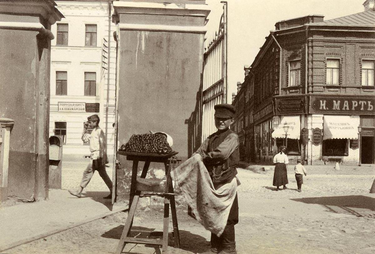 Уличный торговец сладостями