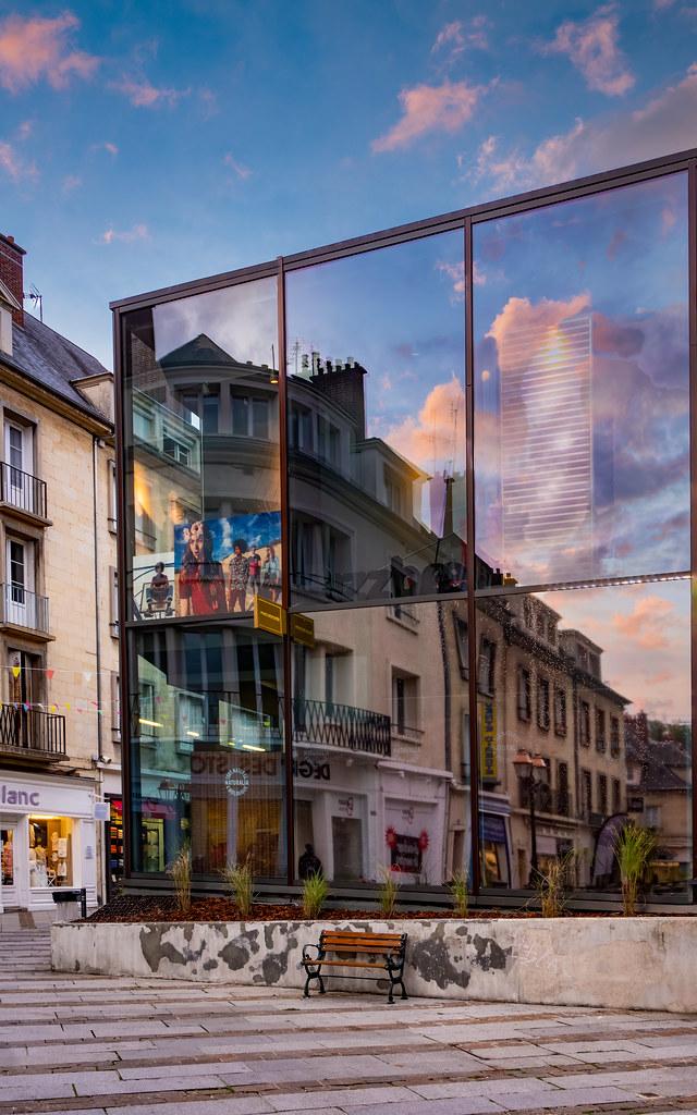 Jeu de reflets à Compiègne... 50433548127_dbc8f3c00b_b
