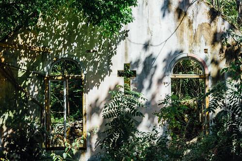 adamcohn duppychurch jamaica stgeorgesanglicanchurch abandoned church dilapidated ghosts haunted streetphotographer streetphotography cross shadows