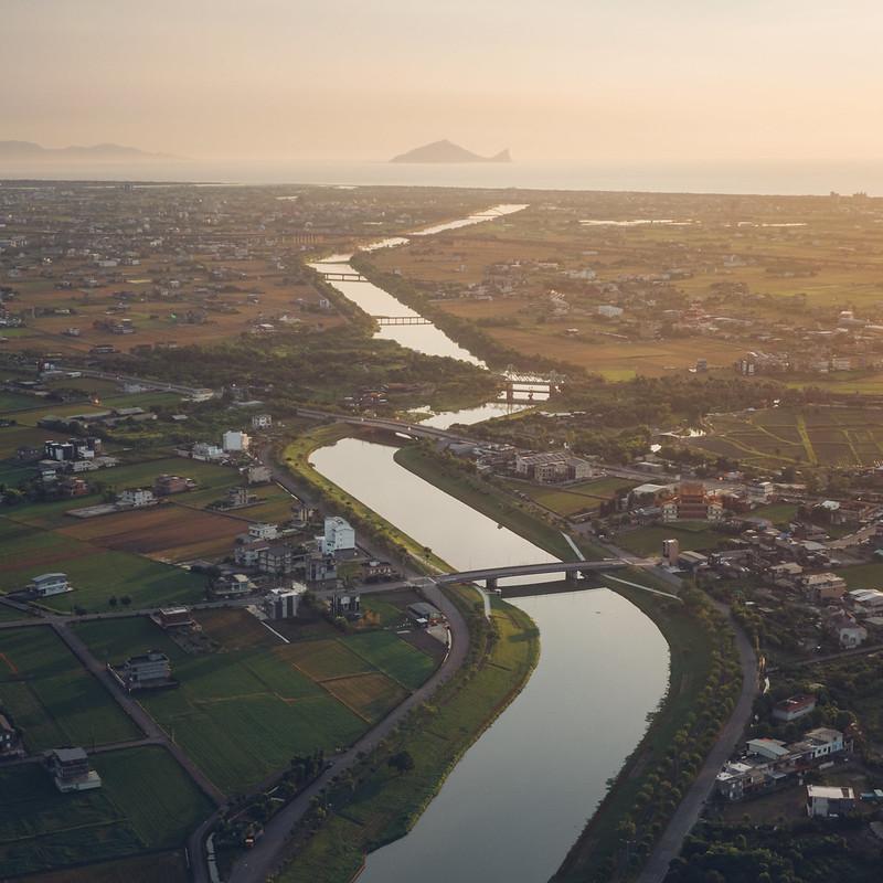 龜山島 冬山河