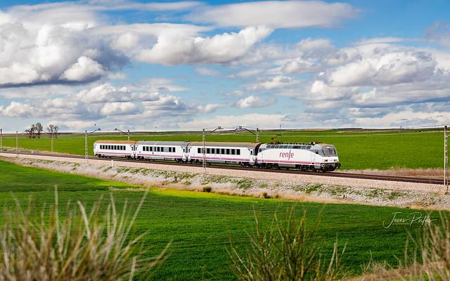 252-041-9. Intercity 280 Galicia - País Vasco.