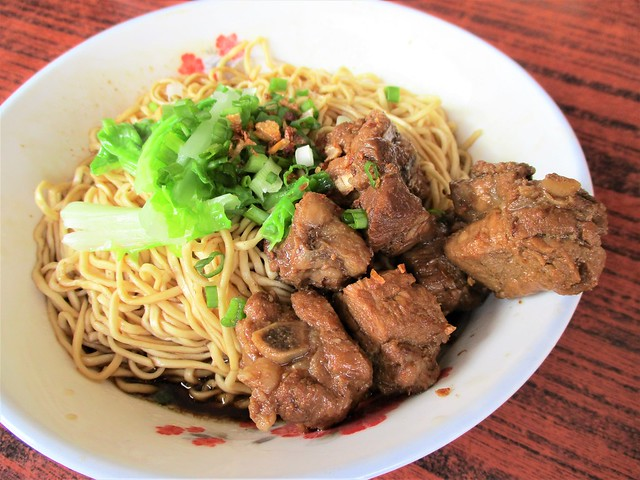 8-Blessing Corner stewed pork ribs mee