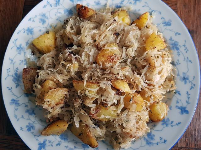 Rustikales Gericht aus der Pfanne