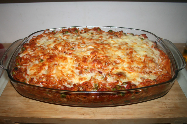 31 - Spaghetti casserole with leek & mushrooms - Finished baking / Spaghetti-Auflauf mit Lauch & Pilzen - Fertig gebacken