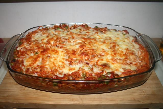 31 - Spaghetti casserole with leek & mushrooms - Finished baking / Spaghetti-Auflauf mit Lauch & Pilzen - Fertig gebacken