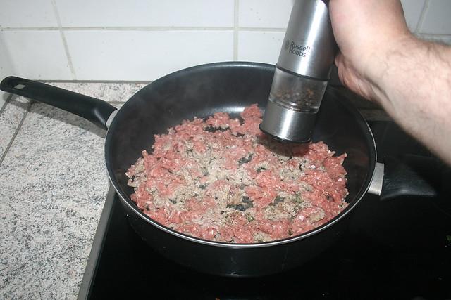 05 - Season minced turkey / Putenhackfleisch würzen