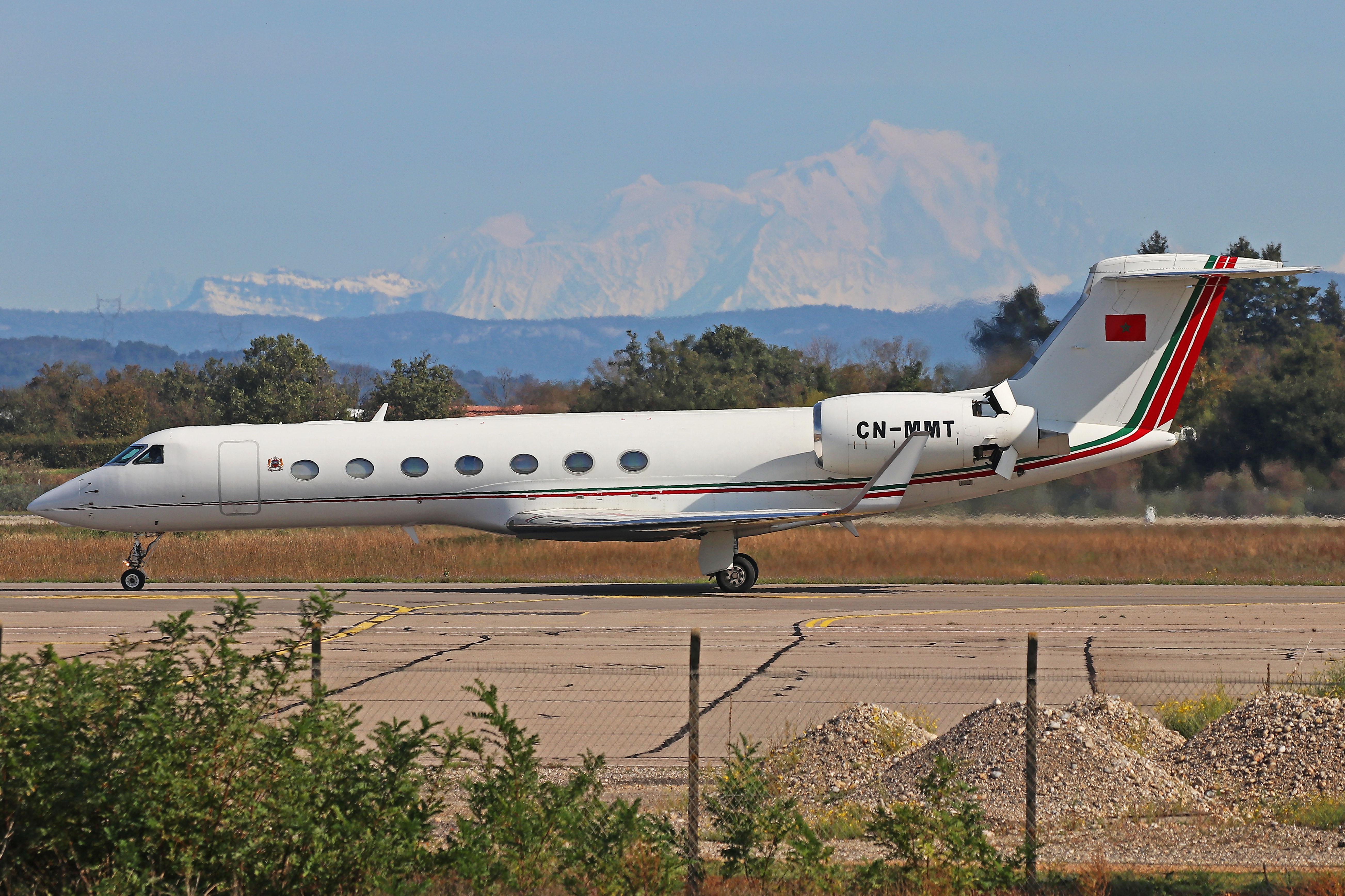 FRA: Avions VIP, Liaison & ECM - Page 25 50436949101_0683148924_o_d