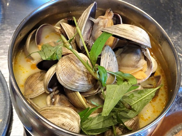 Clams at the Lunch Lady