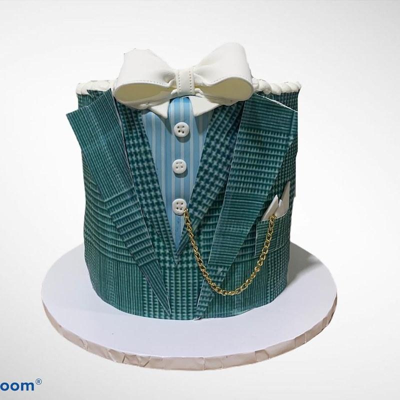 Cake by Kingdom Kakes LLC