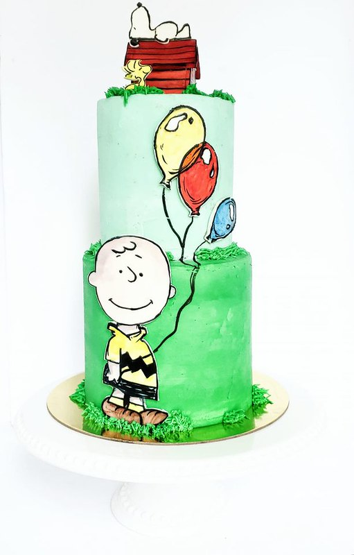 Charlie Brown & Snoopy by The Unbirthday Baker