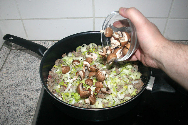 10 - Add mushrooms / Champignons addieren