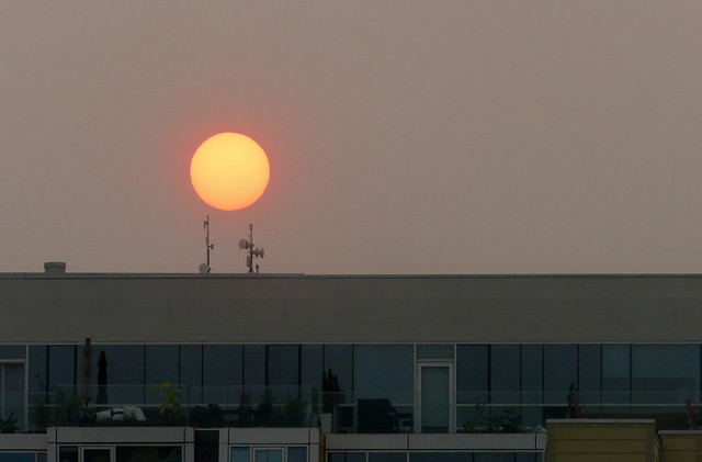 so smokey you can look at the sun, sunset with smoke
