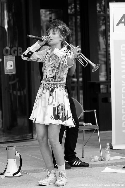 Anna Buchegger: vocals