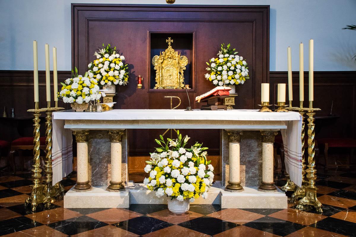 Altar y sagrario