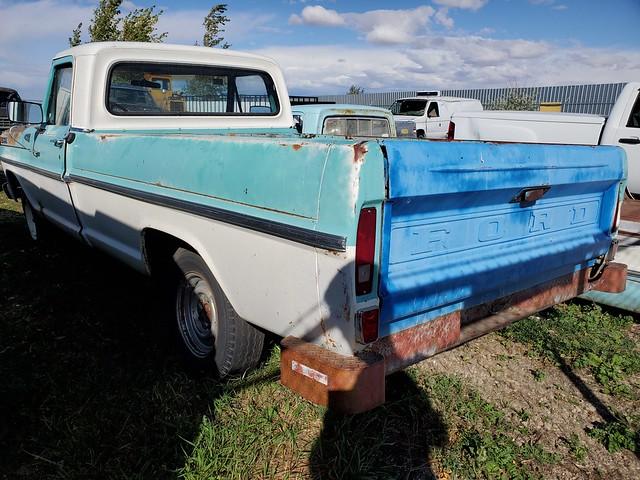 1969 Ford F100 Custom Cab rear