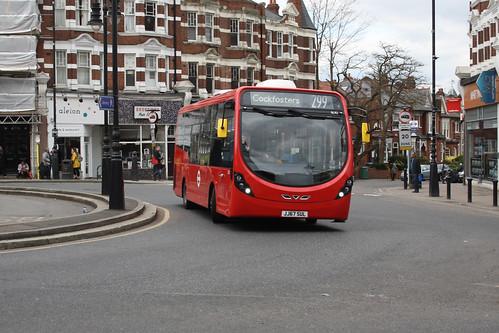 Sullivan Buses SL92 JJ67SUL