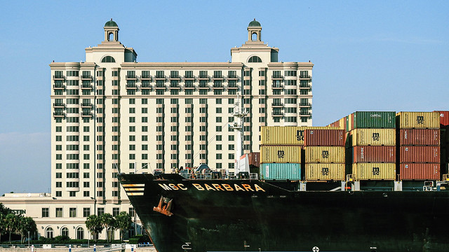 Container  ship / Savannah River