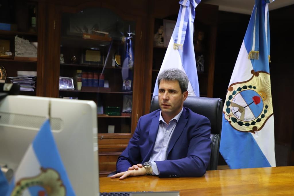 2020-10-08 PRENSA Uñac analizó junto al presidente y el resto de los gobernadores la situación sanitaria del país (3)