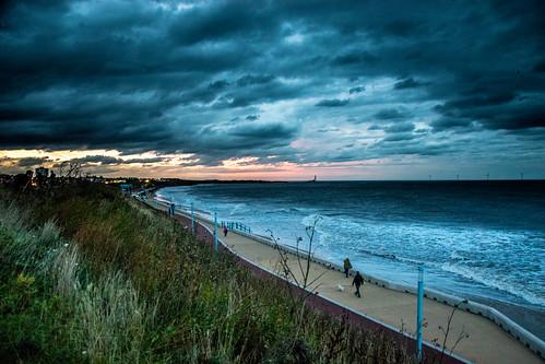 sunset england sky clouds europe waterfront unitedkingdom britain dusk newcastleupontyne whitleybay tyneandwear northengland ©2018tonysherratt sea coast northsea bluehour 20181013182018
