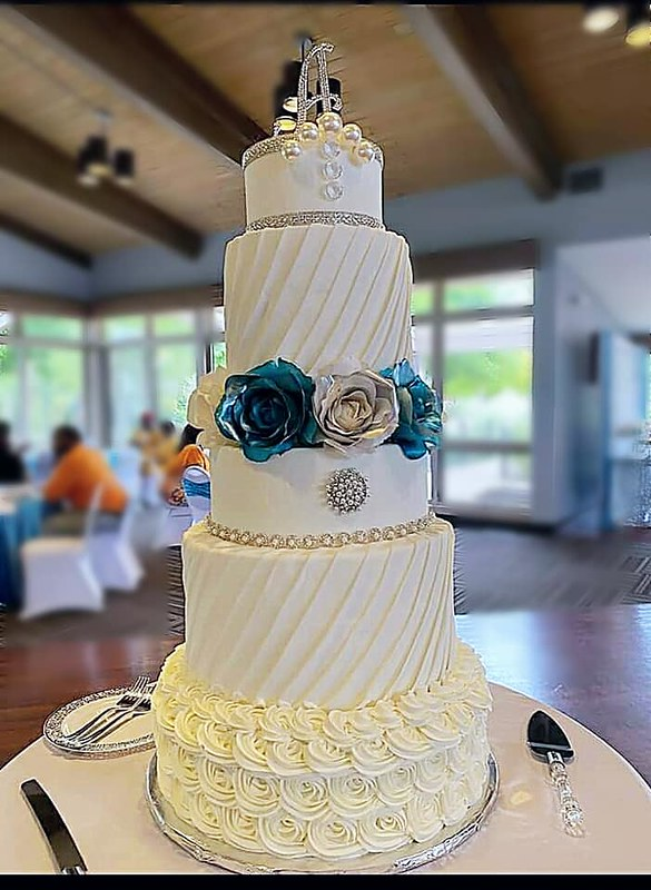 Cake by Snickerdoodle Cakes