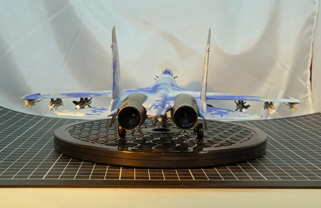 Su-27P-61