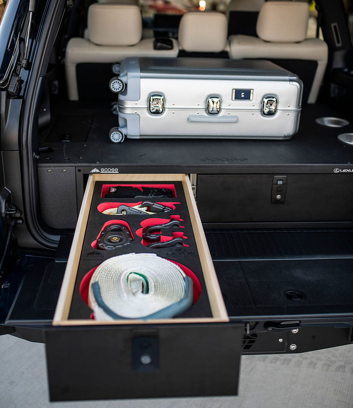 Lexus-J201-Concept-based-on-LX-570-36