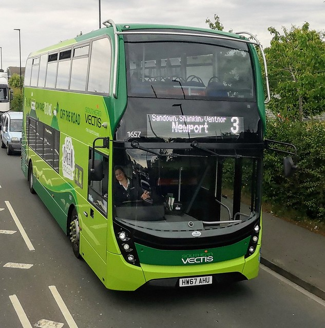 Southern Vectis 1657 is on Brading Road while on route 3 to Newport via Sandown, Shanklin and Ventnor. - HW67 AHU - 4th June 2020