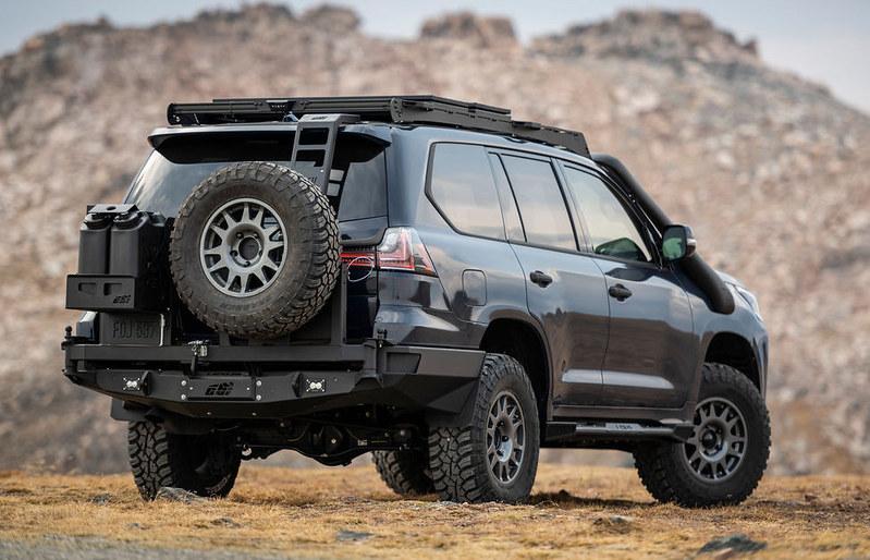 Lexus-J201-Concept-based-on-LX-570-9