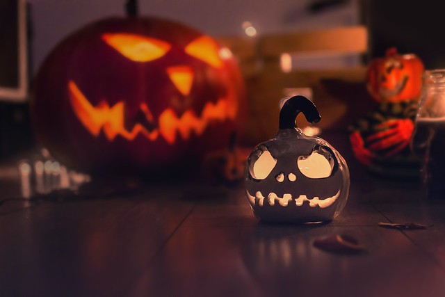 A short history of Irish Halloween Traditions and how to Bake a Chocolate Ghoulyard Cake