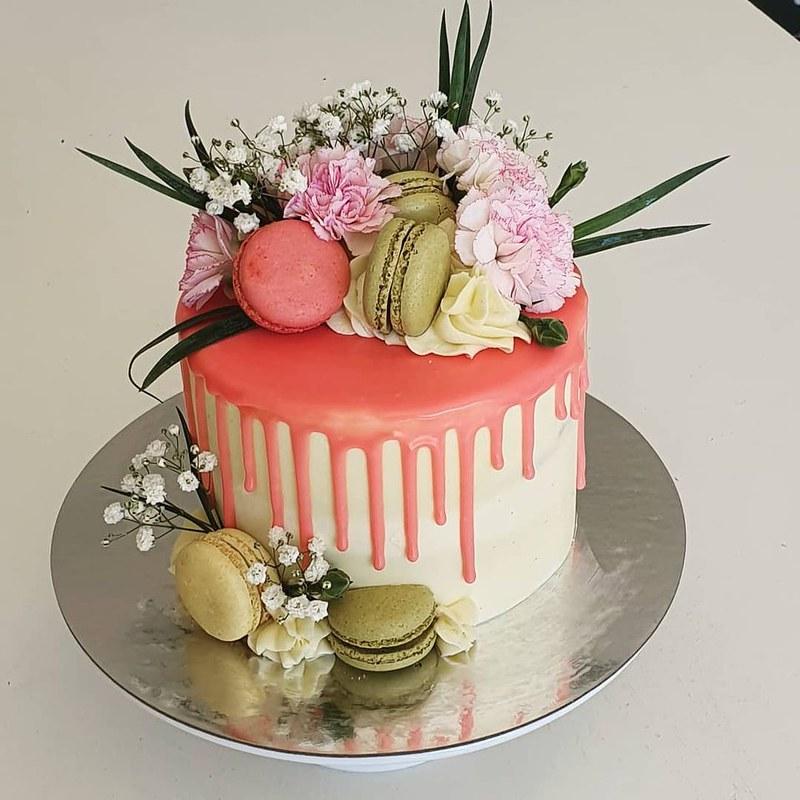 Cake by Cupcake-a-nator