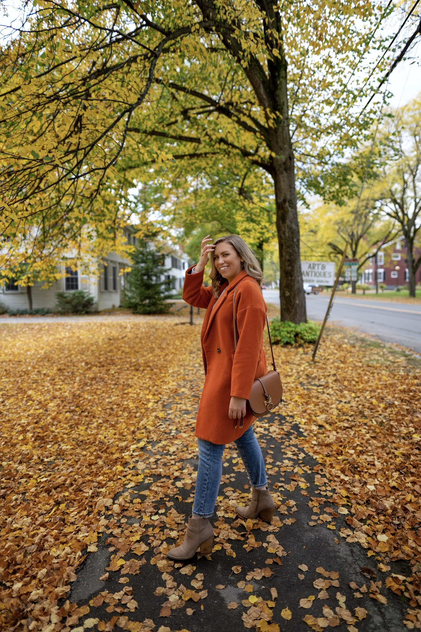 Walking through the leaves | Woodstock VT | My Complete Vermont Fall Travel Guide: What to See, Do & Eat | Ultimate Fall Guide to Vermont | 5 Day Vermont Road Trip | Fall Foliage Road Trip Guide