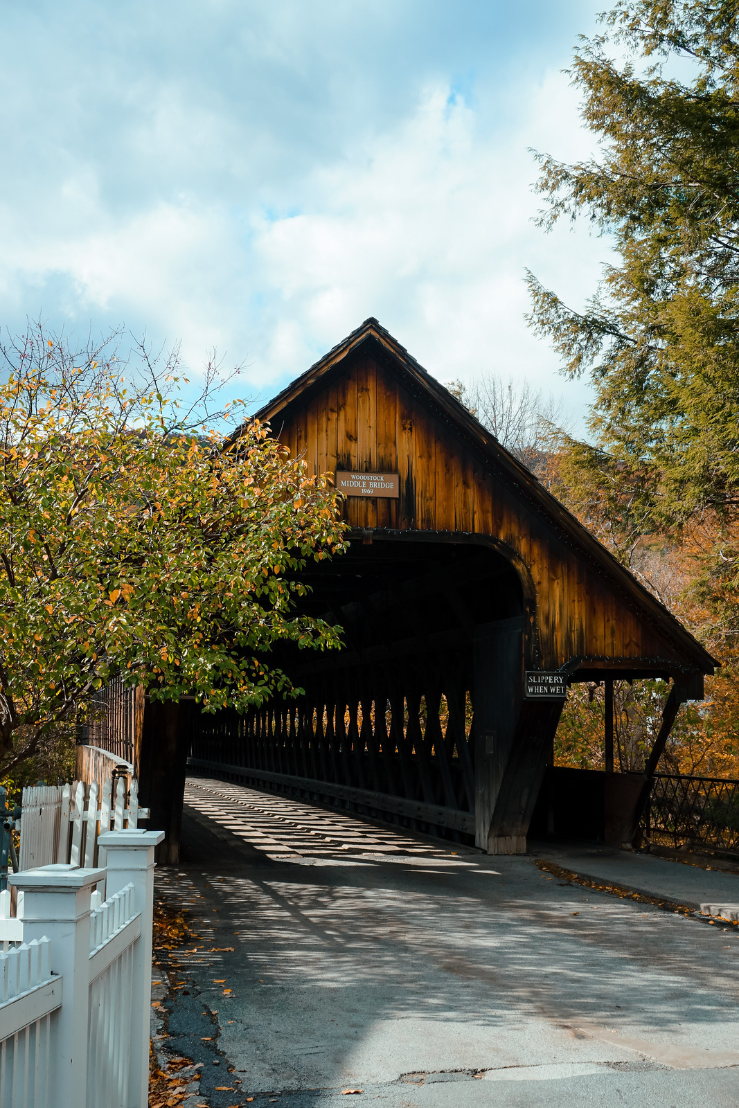 Middle Covered Bridge | Woodstock VT | My Complete Vermont Fall Travel Guide: What to See, Do & Eat | Ultimate Fall Guide to Vermont | 5 Day Vermont Road Trip | Fall Foliage Road Trip Guide