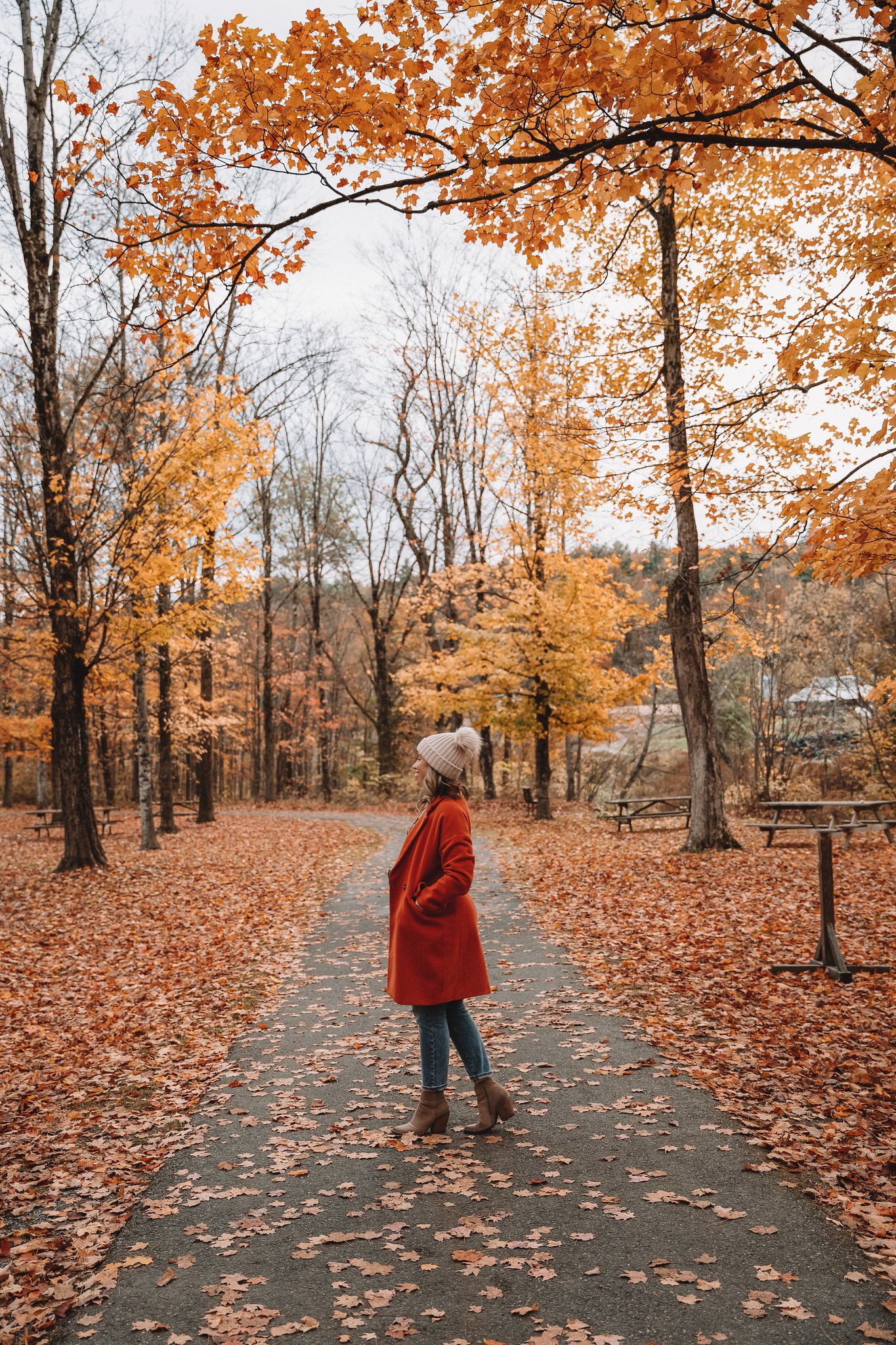 My Complete Vermont Fall Travel Guide: What to See, Do & Eat | Ultimate Fall Guide to Vermont | 5 Day Vermont Road Trip | Fall Foliage Road Trip Guide | Thompson Park Stowe Vermont