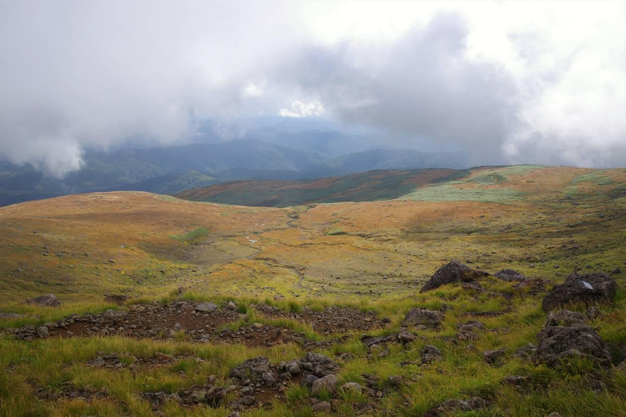 月山の湿原と紅葉