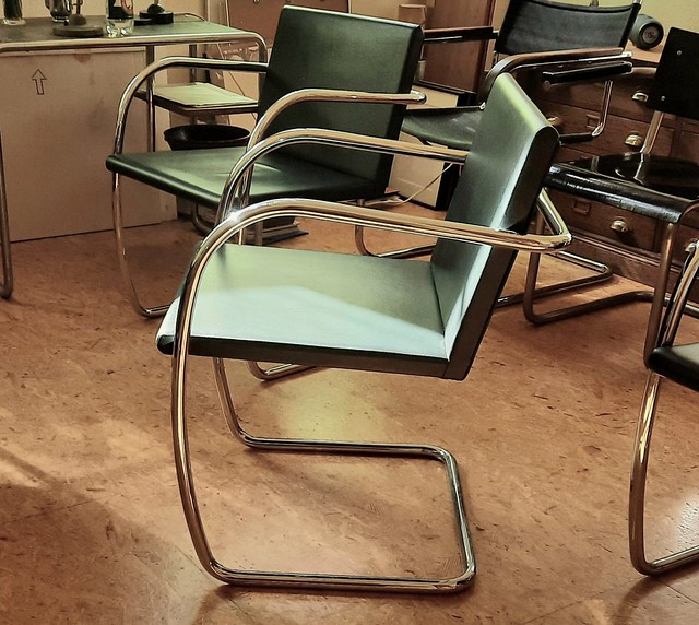 Mies van der Rohe Lilly Reich Brno Armchair rounde Tube 1929