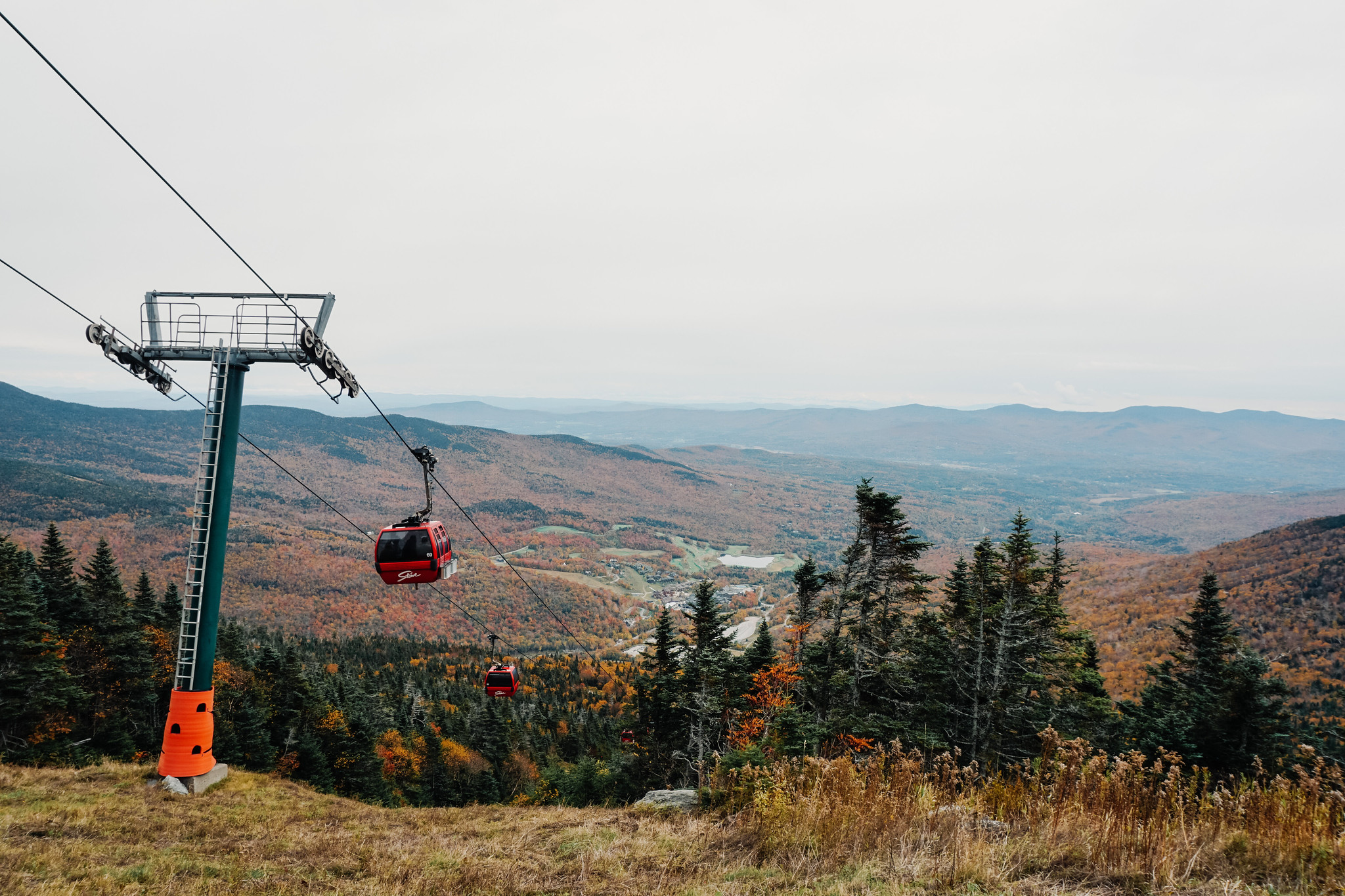 Gondola Skyride at Stowe Mountain Resort Mount Mansfield | Stowe VT | My Complete Vermont Fall Travel Guide: What to See, Do & Eat | Ultimate Fall Guide to Vermont | 5 Day Vermont Road Trip | Fall Foliage Road Trip Guide