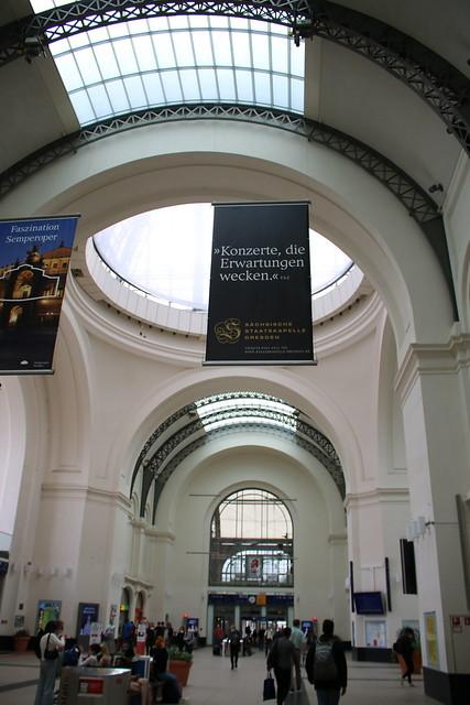 DB: Dresden Hauptbahnhof - Haupthalle des Empfangsgebäudes